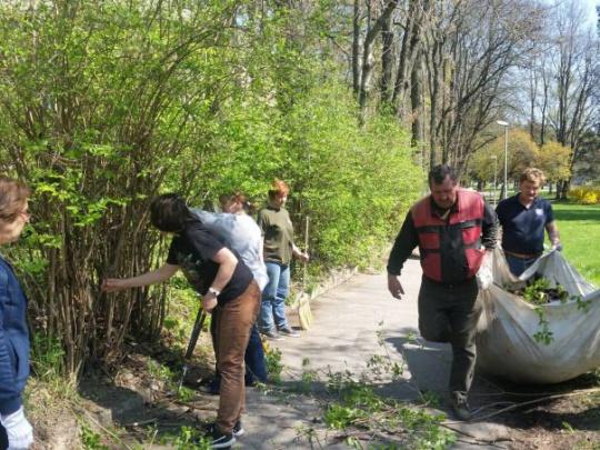 Národné lesnícke centrum skrášľuje svoje okolie