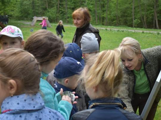 V lesoch pri Vinianskom jazere otvorili výnimočný projekt: Lesný kúpeľ s mimoriadnym významom pre ľudské zdravie